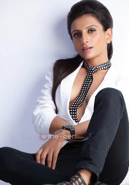 Priyanca Sharma neck tie - (3) -  Prianca sharma AMAZING SUPER HOT PICS!!!