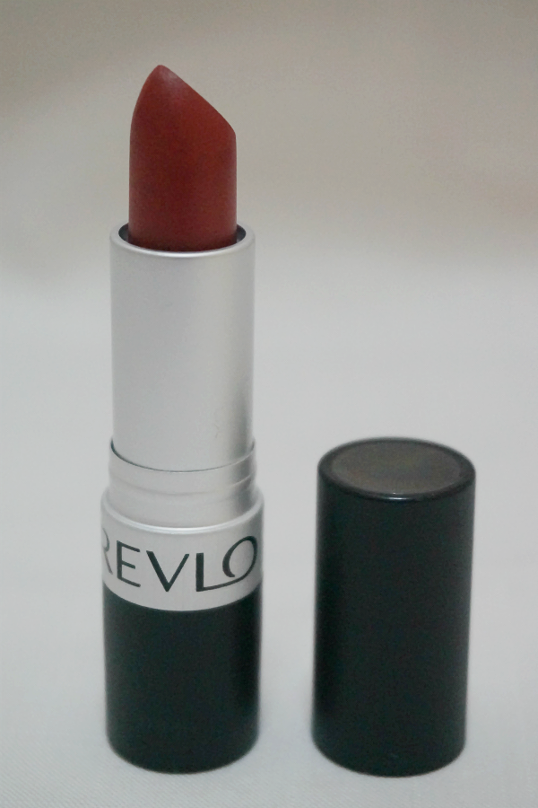 Revlon Matte Lipstick in In The Red