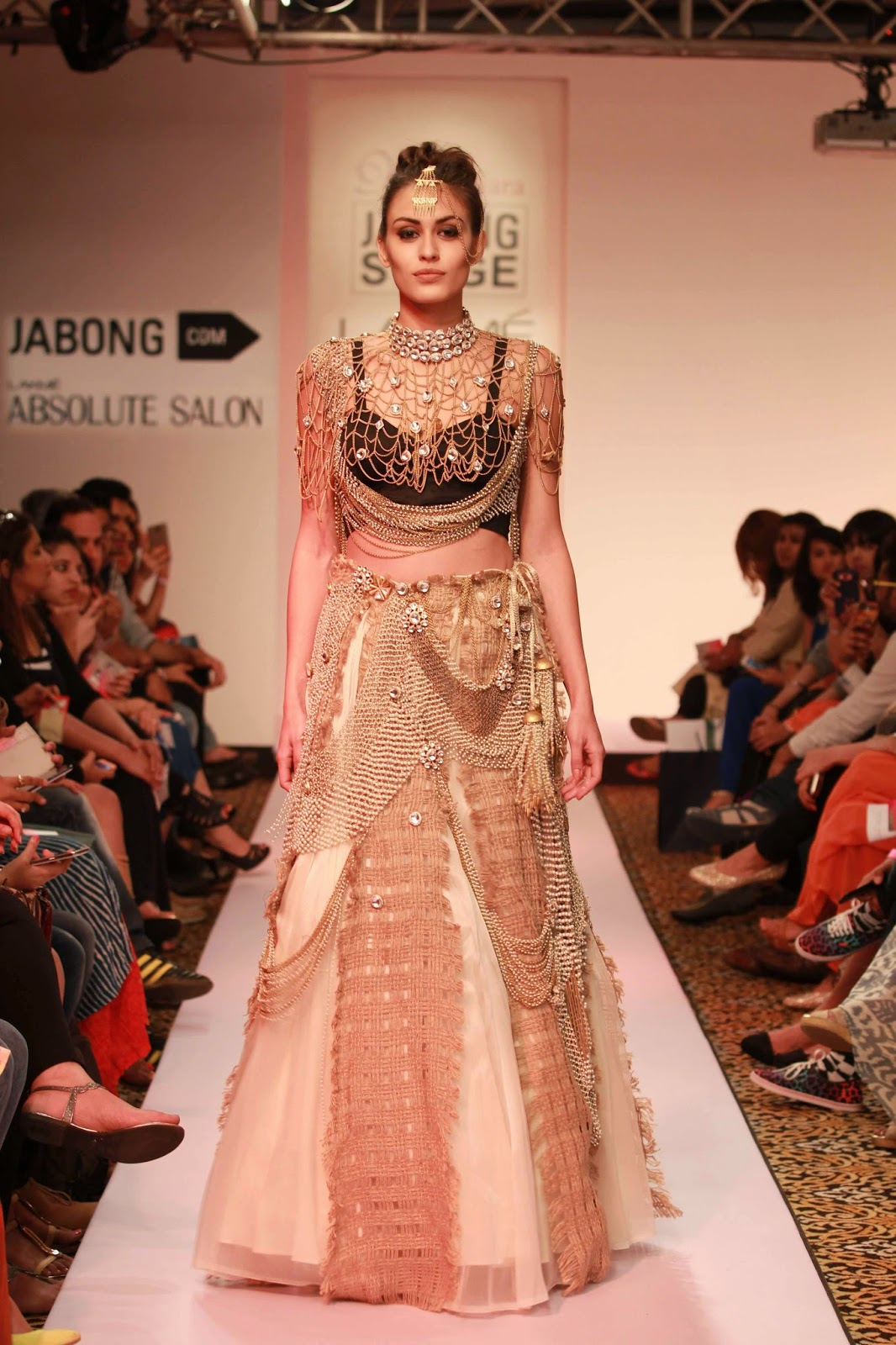 http://aquaintperspective.blogspot.in/, LIFW Day 2, Vasundhara Mantri