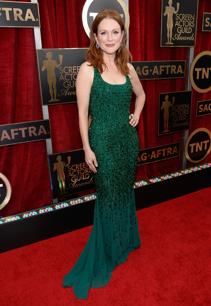 Julianne Moore in Givenchy, SAG Awards 2015, Best dressed, Trending, Red carpet divas, Fashion, Fashion divas, Style statement, Award shows, Red Carpet fashion, Red alice rao, Julianne Moore, redalicerao, Fashion blog, Leading fashion blog, Pakistan