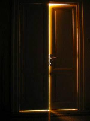 Frammenti e tormenti la porta dietro l 39 armadio for Porta chiusa