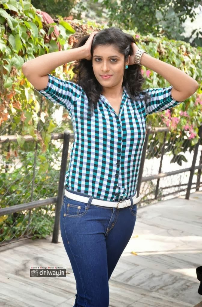 Liza-Reddy-Latest-Stills