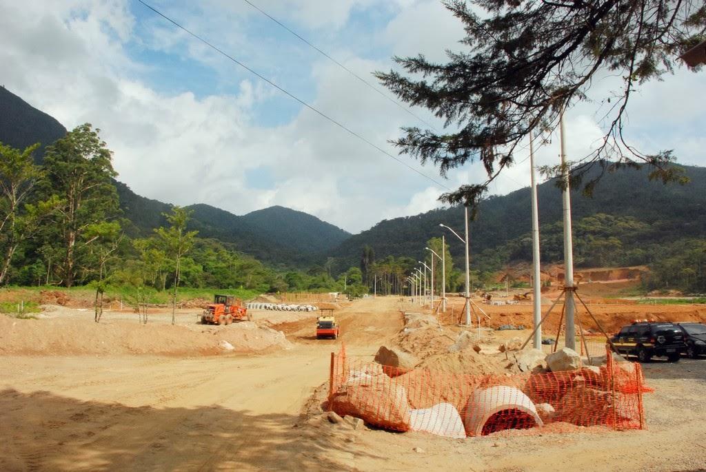 Construção das casas populares na Fazenda Ermitage,em Teresópolis,continua avançando