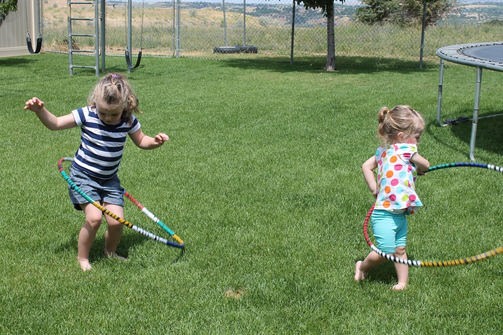 kids summer craft diy hula hoop six sisters 39 stuff. Black Bedroom Furniture Sets. Home Design Ideas