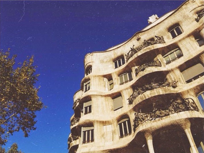 pedrera arte casa milà gaudí barcelona edificio modernista magica barcelona dulces restaurantes merienda