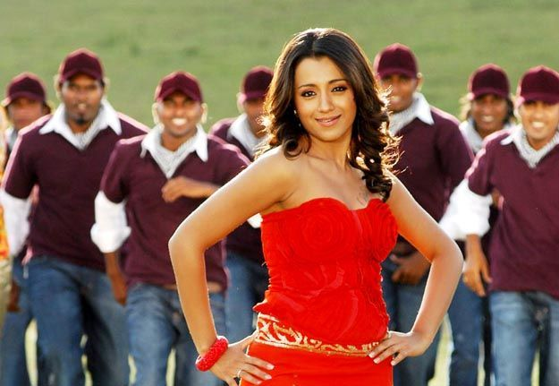 trisha red gown glamour  images