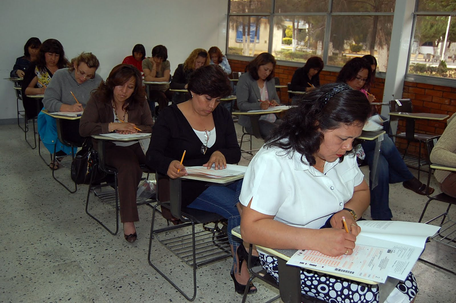 El chayote todo listo en hidalgo para aplicar examen de for Concurso plazas docentes