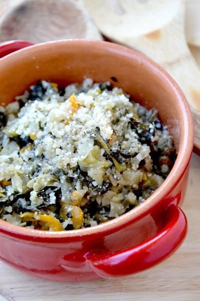 zuppa di cavolo nero e cavolo verza, patate e cipolla