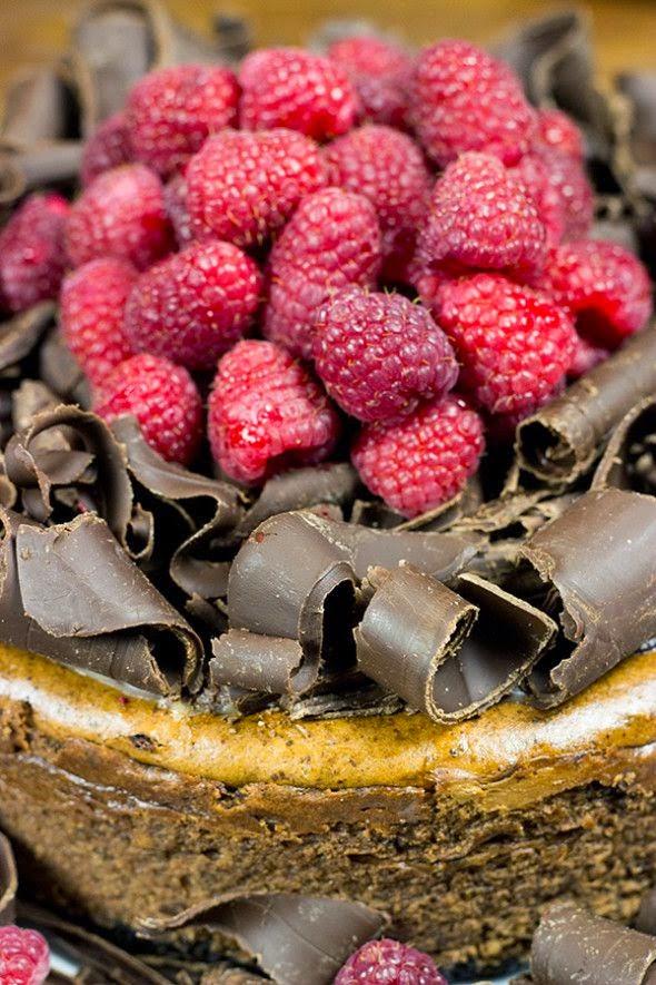 http://spicedblog.com/triple-chocolate-cheesecake-with-oreo-crust.html