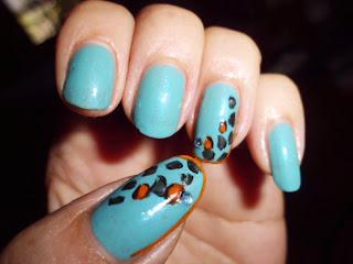 manicura leopardo azul