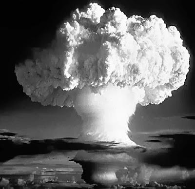 muy interesante spain la bomba que destruye al hombre sin da ar los objetos. Black Bedroom Furniture Sets. Home Design Ideas