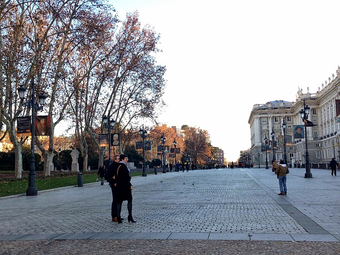 Letmecrossover_blog_michele_mattos_madrid_spain_espanha_parque_del_retiro_travel_trip_traveling_world_backpacking_puerta_de_alcala_plaza_oriente