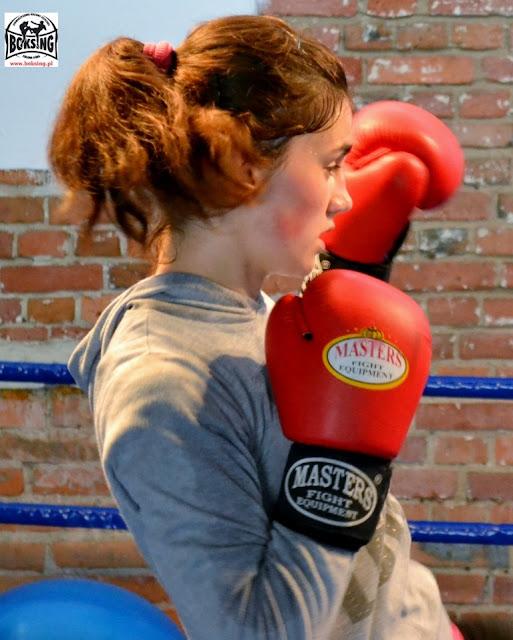 Sport kobiet Zielona Góra, kickboxing, shoot boxing, boks, muay thai, treningi dla dzieci Zielona Góra, sporty walki Zielona Góra, trening sportowy Zielona Góra
