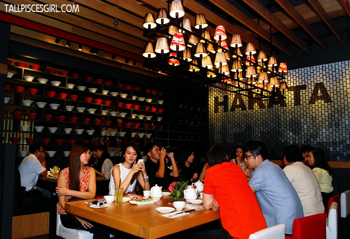 Love the dimly lit ambience in the restaurant that gives a casual feeling