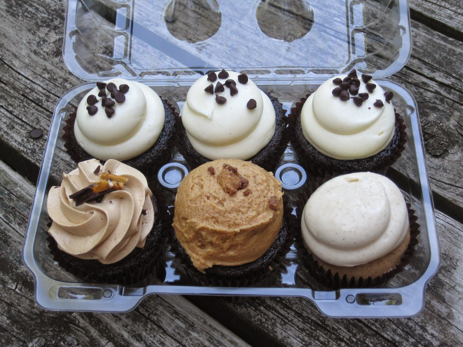 1/2 dozen cupcakes from Flavory Cupcakery