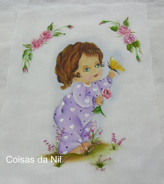 """""""fralda pintada com menina, borboleta e rosas,medalhao"""""""