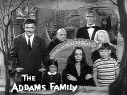 A POP CULTURE ADDICT'S GUIDE TO LIFE: TGIF: The Addams Family