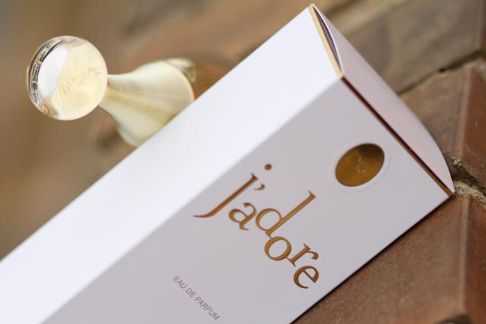 Perfume afrutado J'Adore de Dior de PerfumeriaVIP