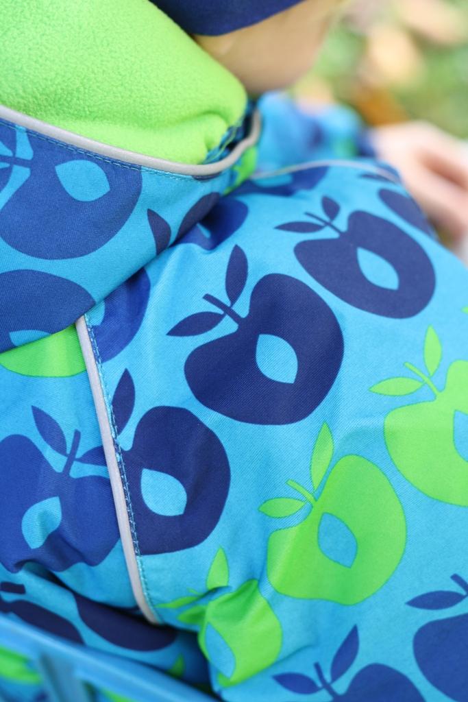 Småfolk, Smafolk, skandinavische Kinderkleidung, Apfel, Frollein Pfau, Verlosung, Kinderkram, modische Kinderkleidung, Outdoorjacke, Kinderjacke, Funktionskleidung
