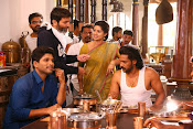 son of sathyamurthy shooting stills-thumbnail-5