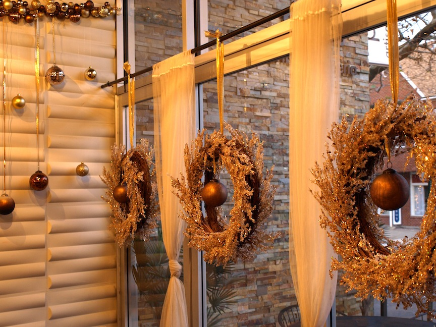 Christmas Decoration Restaurant  Ideas Christmas Decorating ~ 031218_Christmas Decoration Ideas For A Restaurant