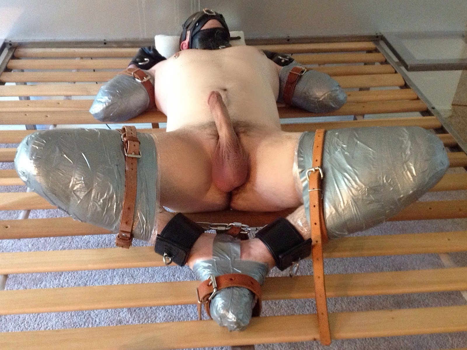 image Amateur couple taped themselves