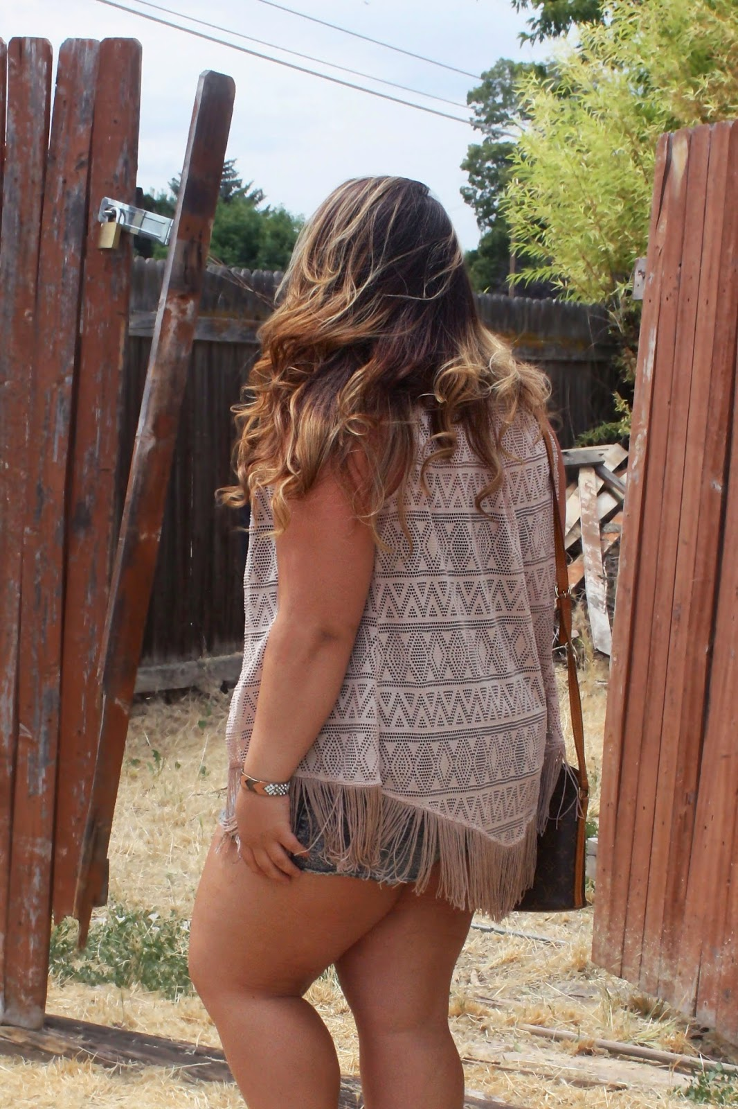 fringe, natalie craig, natalie in the city, country style, abandoned house, spikes, BKE, Buckle, Daytrip, Forever 21 plus size, plus size fashion blogger, style, OOTD, nose ring, shorts, fringe, tribal, bling, starbucks, passion tea, Louis Vuitton, mix and match jewelry, ombre, curly hair