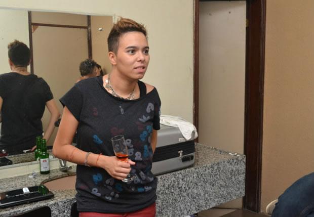 Maria Gadú no camarim (Foto: Felipe Souto Maior / Divulgação)