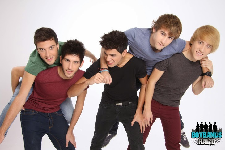 Get to know the best-selling Spanish boyband of all times: Auryn. Meet Carlos, Álvaro, Blas, Dani and David on BoybandsRadio.com