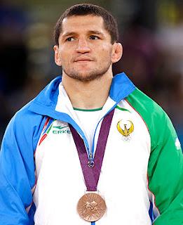 LUCHA LIBRE-Tigiev tendrá que dejar su medalla de Londres
