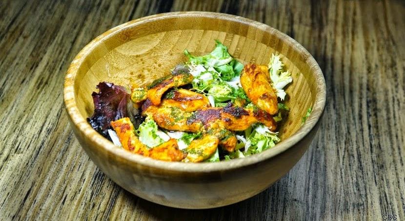 Pollo al curry con guacamole