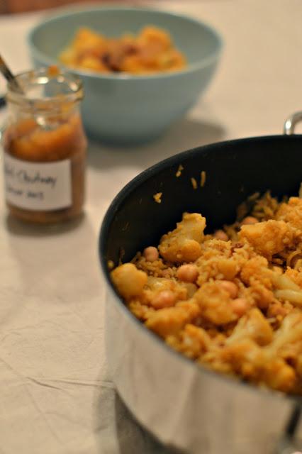 Rezept für Reis mit Blumenkohl, Zimt und Kichererbsen