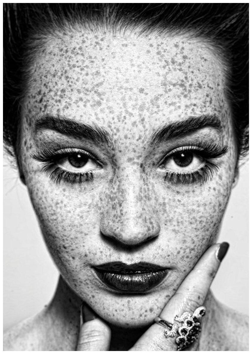 Resultado de imagen de - Irving Penn - Retratos de famosos, minimalismo y fuertes contrastes de luz y sombra.
