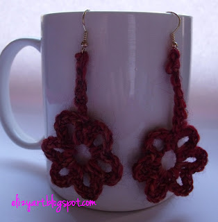 http://elizyart.blogspot.com.es/2012/11/destash-earrings.html
