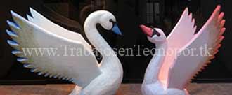 decoracion de salon con cisnes macho y hembra en tecnopor
