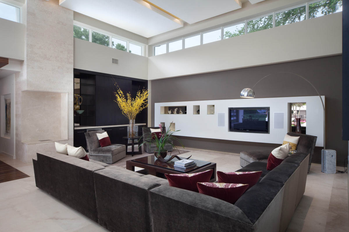 Big Living Rooms with Windows