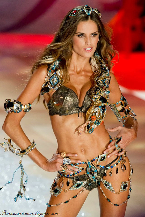 "2012 Victoria's Secret Fashion Show"" /></a></div> <br /> <div class="