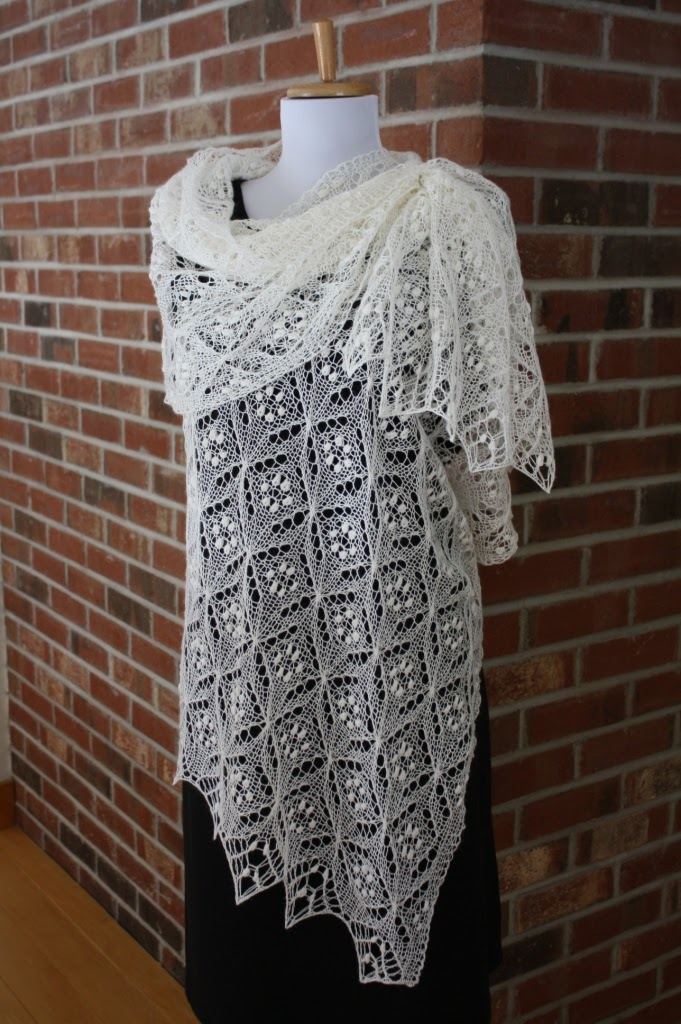 Knitted Lace Pattern : All Knitted Lace: Pattern Release: Quatrefoil Lace Scarf