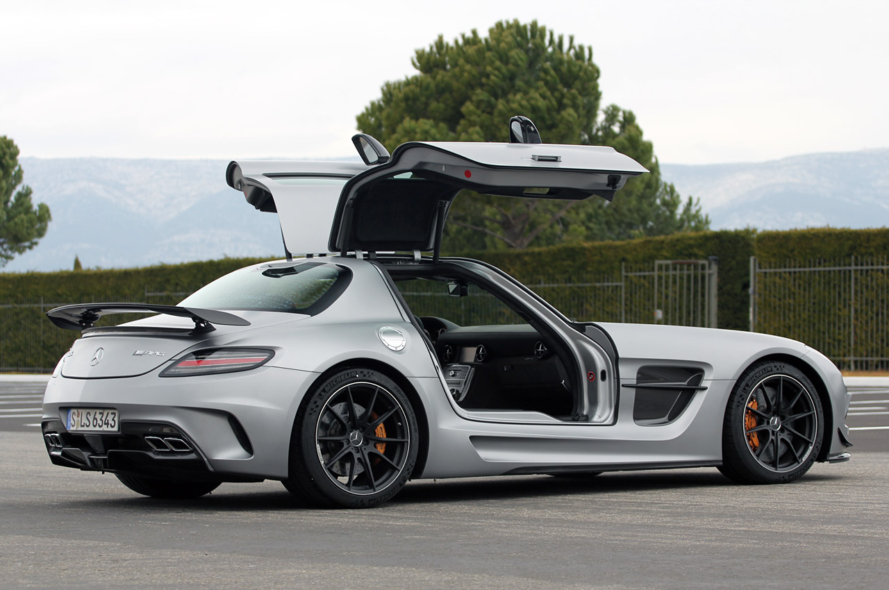 stupefy 2014 mercedes benz sls amg black series. Black Bedroom Furniture Sets. Home Design Ideas