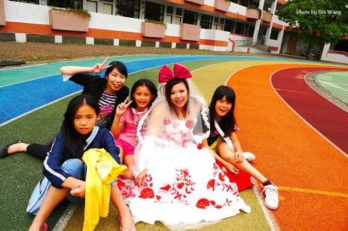 donna di taiwan sposa se stessa woman marries herself