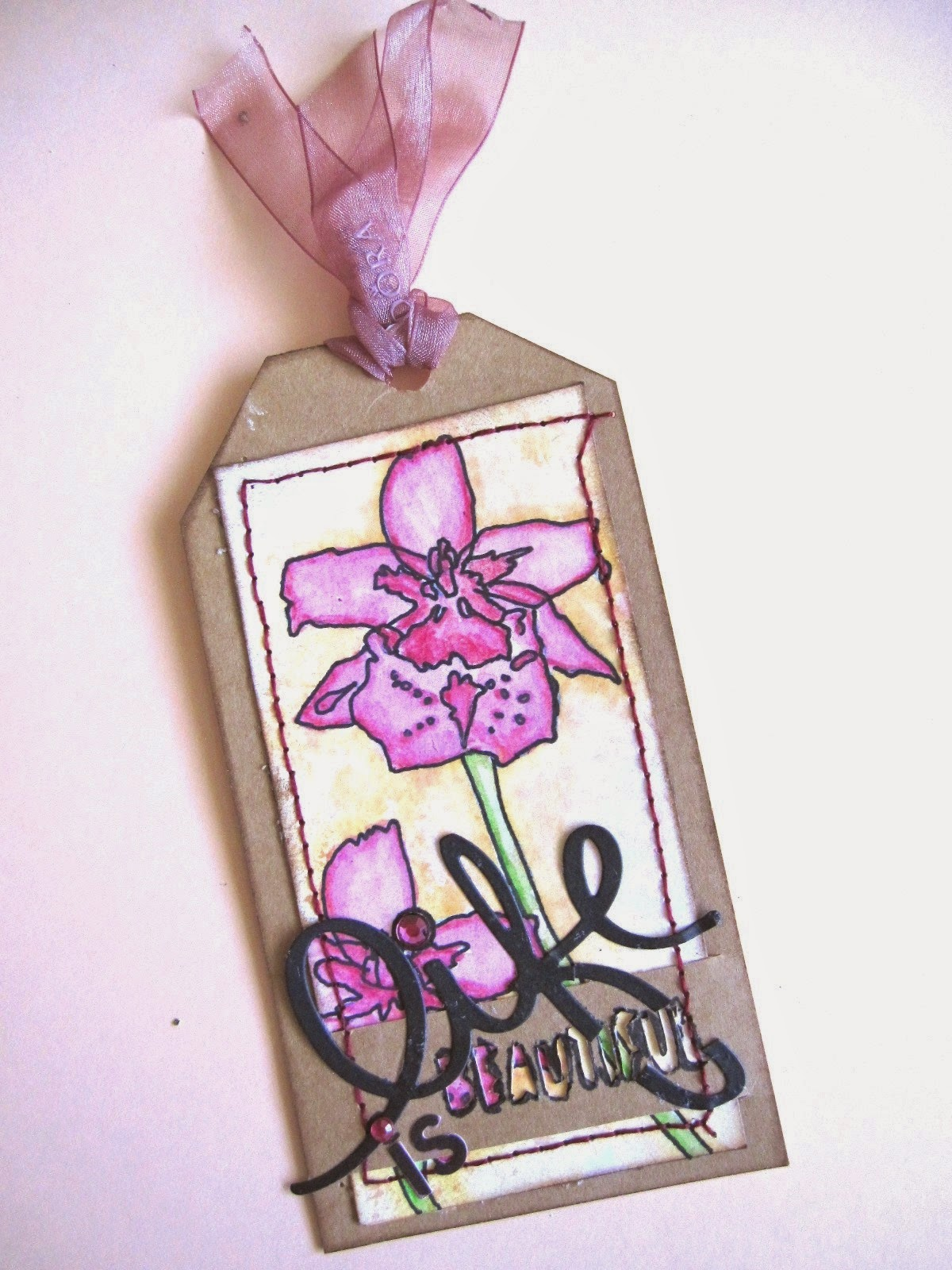 "tag de abril ""Life is Beautiful tag"" mi versión del April tag de Tim Holtz"