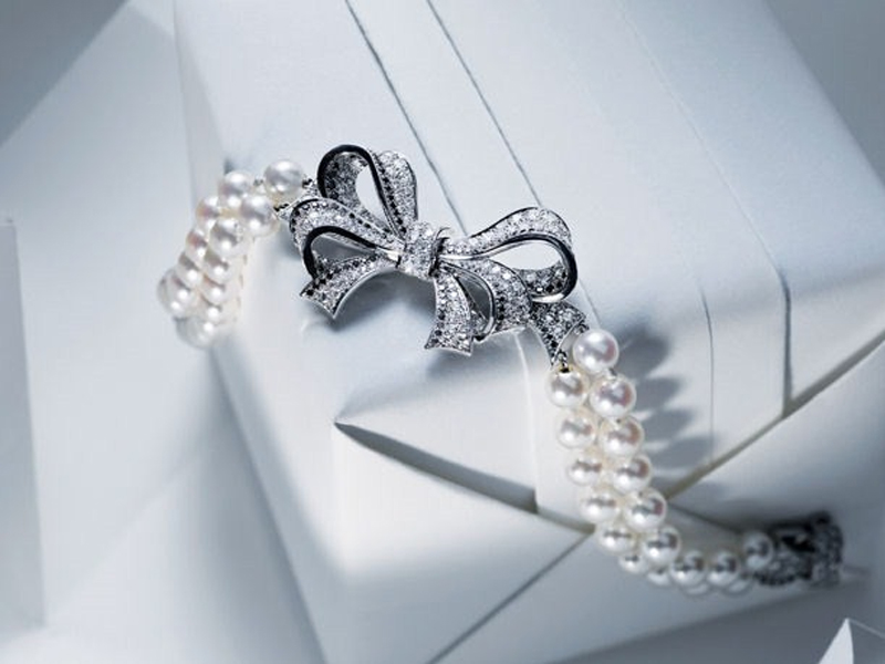 Disappear here chanel haute joaillerie collection winter for Haute joaillerie chanel