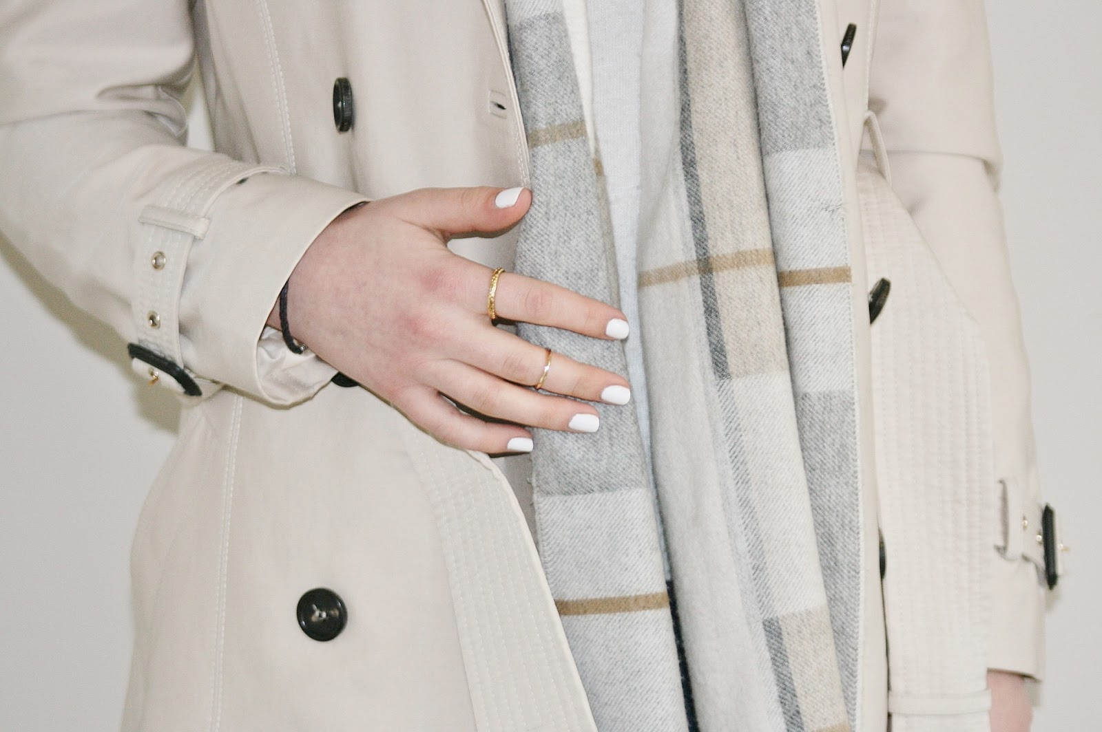 Katherine Penney Chic Fashion Style Zara White Jumper Lace Spring Scarf Trench Coat