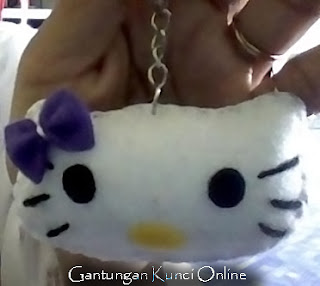 Gantungan Kunci Flanel Hello Kitty