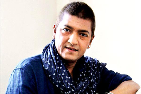 "In a fairly long career Aadesh Shrivastava composed music for over 100 films and created chart busters such as ""Kya ada kya jalwe tere Paro"", ""Haathon mein aa gaya jo kal"", ""Sona sona"", ""Shava shava"", ""Gustakhiyaan"", ""Gur nalon ishq mitha"" and ""Mora Piya""."
