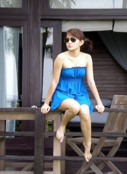 wut hmone shwe yee nude photo 02