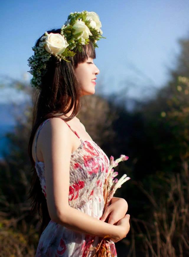 Ảnh gái đẹp HD Bé Moon THPT Văn Hiến 3
