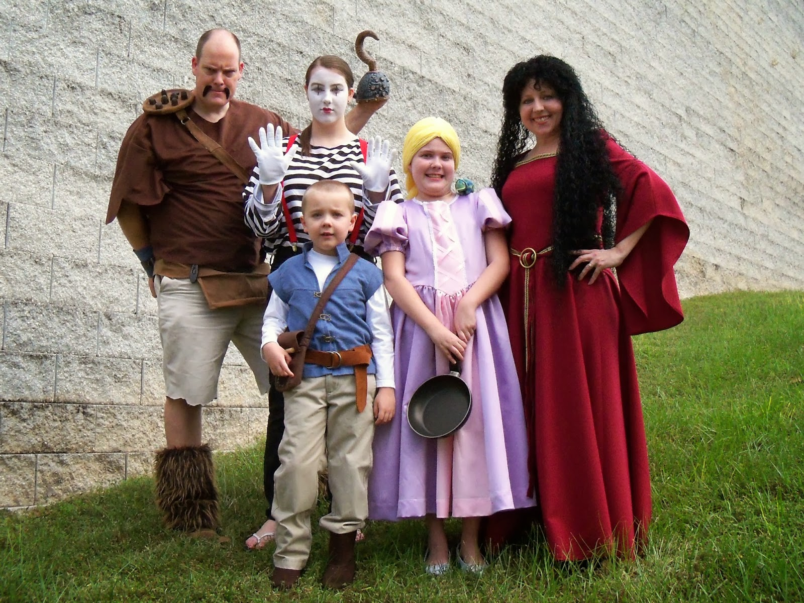bird on a cake: tangled family halloween costumes