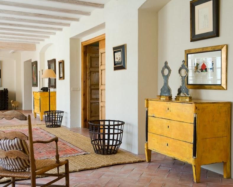 Una finca rustica decorada con acierto y atrevimiento a - Casas de campo restauradas ...
