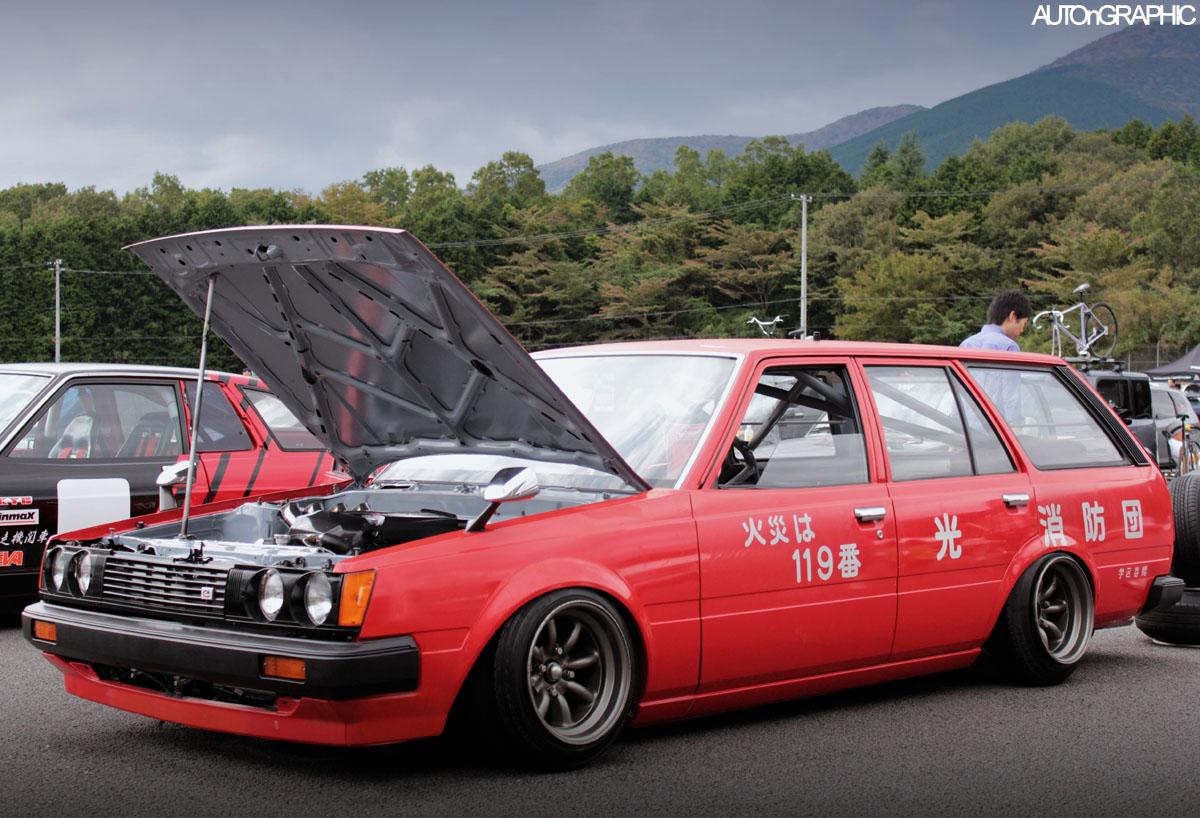 Toyota Carina  stary japoński samochód, klasyk, oldschool, 日本車, クラシックカー